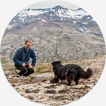 Isladreisen Guide und Hund