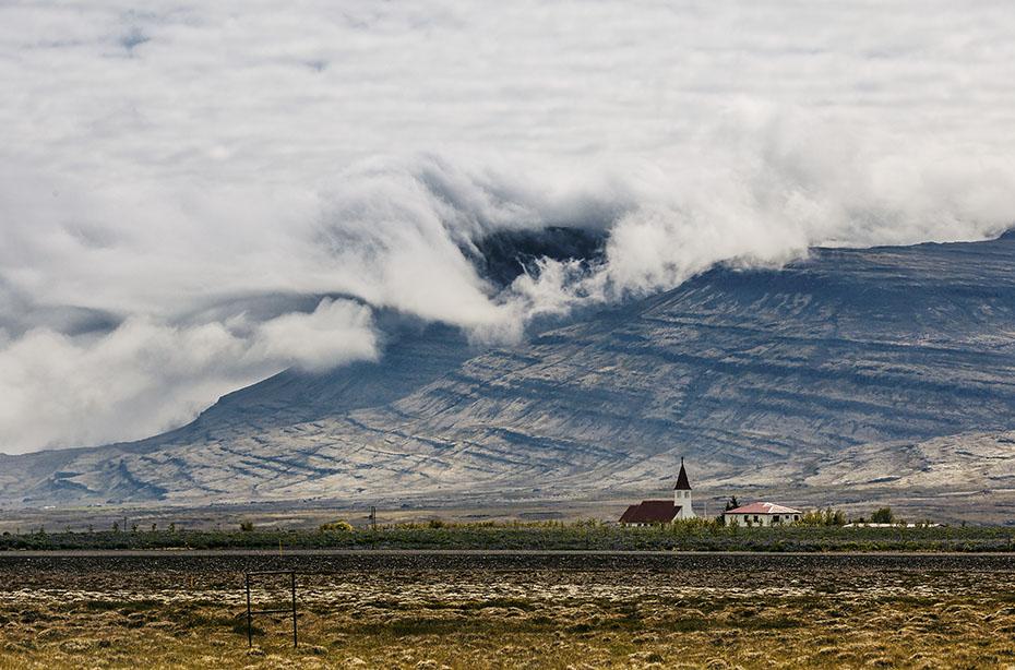 Wolkenformation über dem Tal Breiddalur