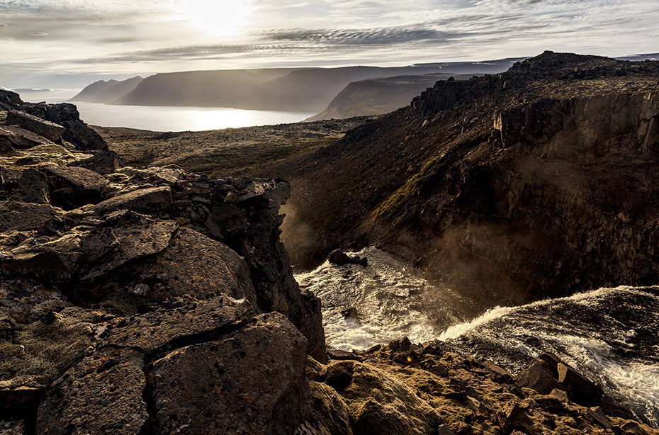 Blick vom Bergpass auf den Dynjandi
