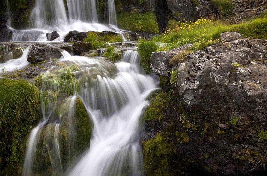 kleiner Wasserfall am Dynjandi