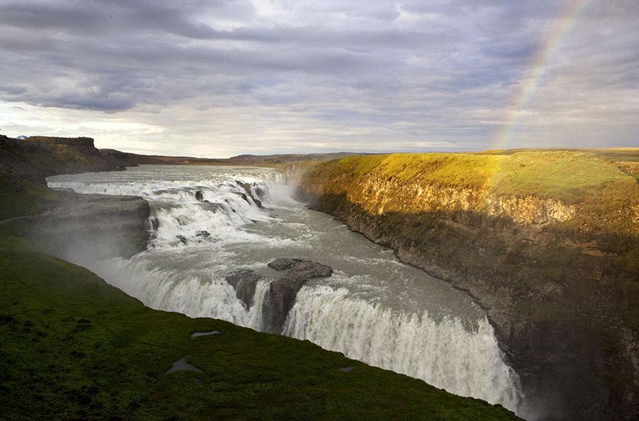 Regenbogen über dem Gullfoss