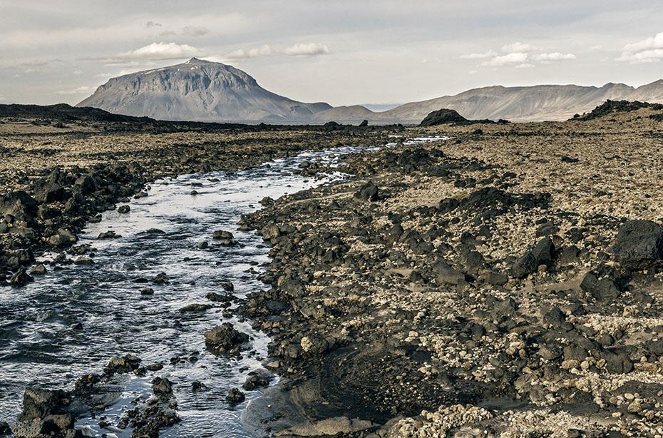 Gletscherfluss vor dem Herðubreið