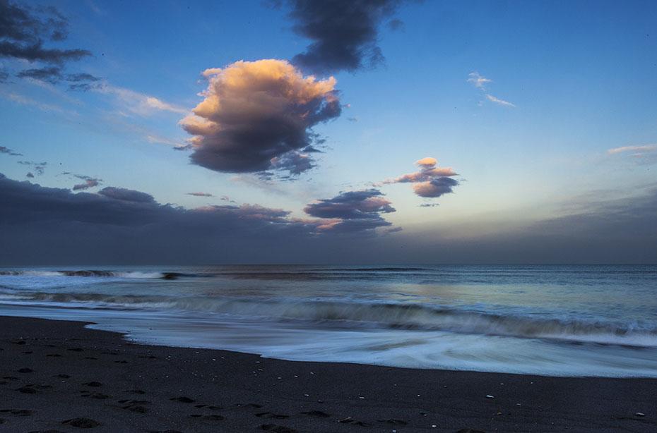 Strand von Vík í Mýrdal um Mitternacht