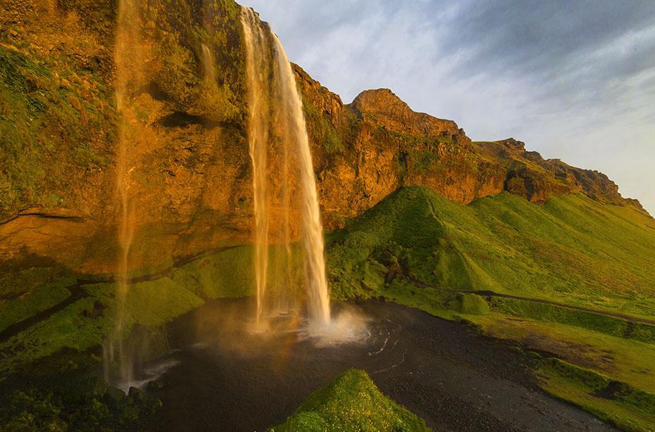 Wasserfall Seljalandsfoss: Am Abend manchmal eine Sinfonie aus Farben