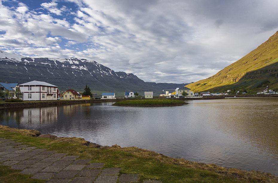Der See Lón in Seyðisfjörður