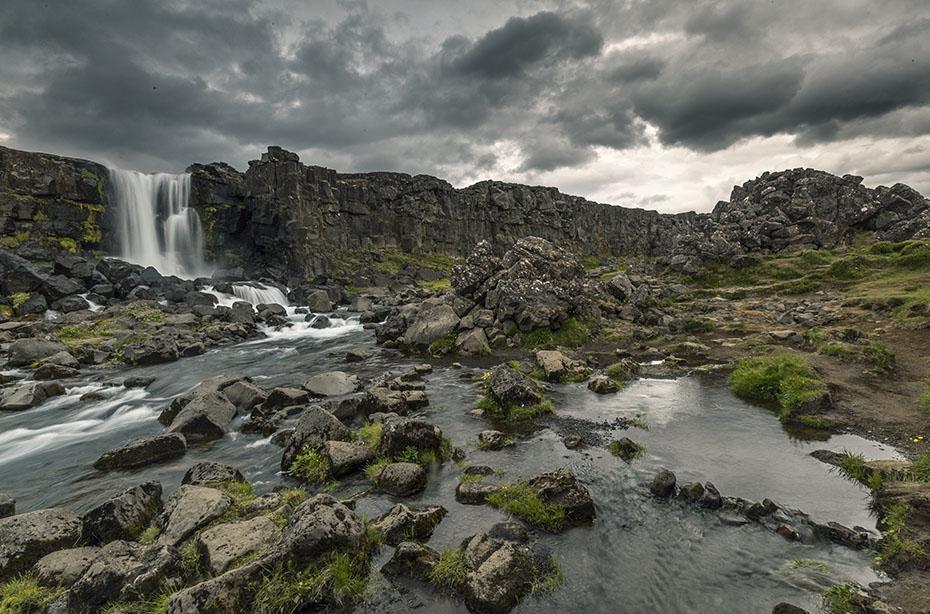Der Wasserfall Öxarárfoss im Þingvellir-Nationalpark