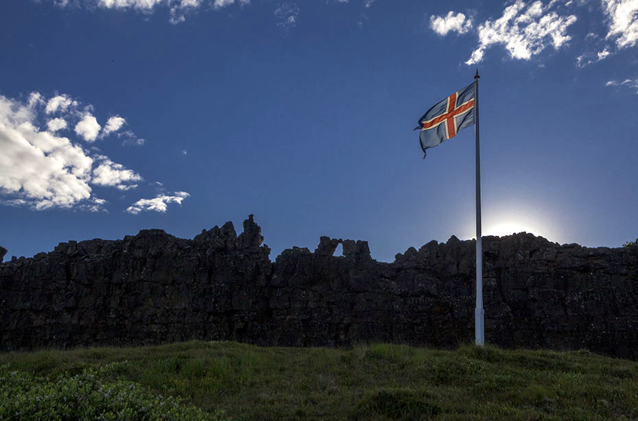 Isländische Flagge Thingvellir-Nationalpark