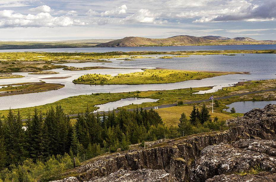 Der See Þingvallavatn im Þingvellir-Nationalpark