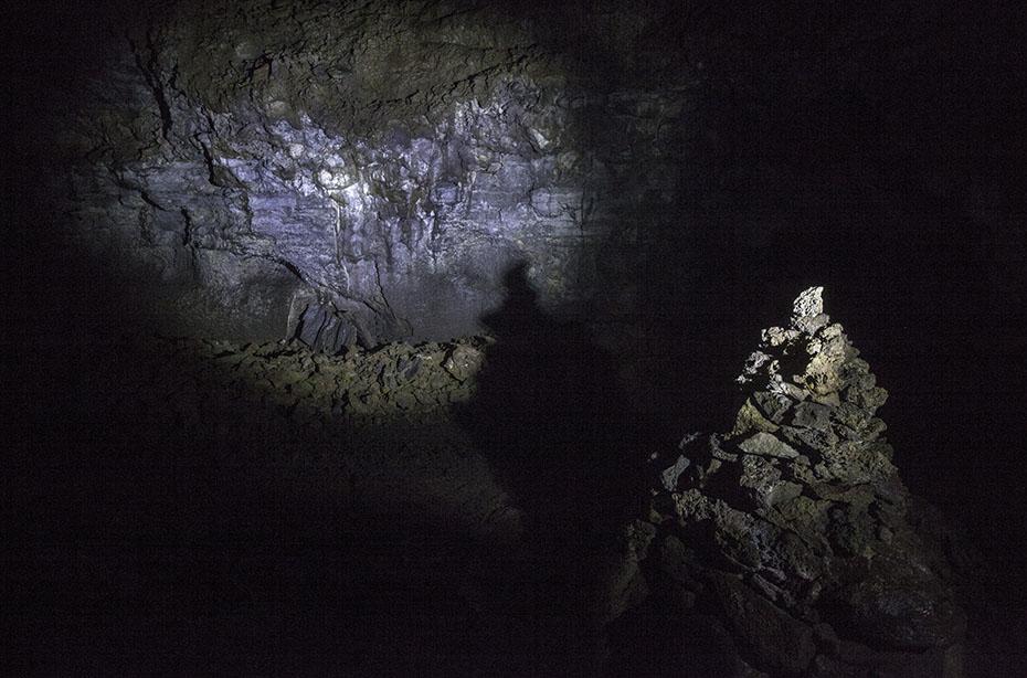 Stalagmiten in der Höhle Vatnshellir