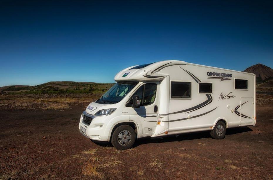 Außenansicht Wohnmobil Iceland 4