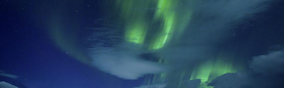 Polarlichter am Himmel Islands