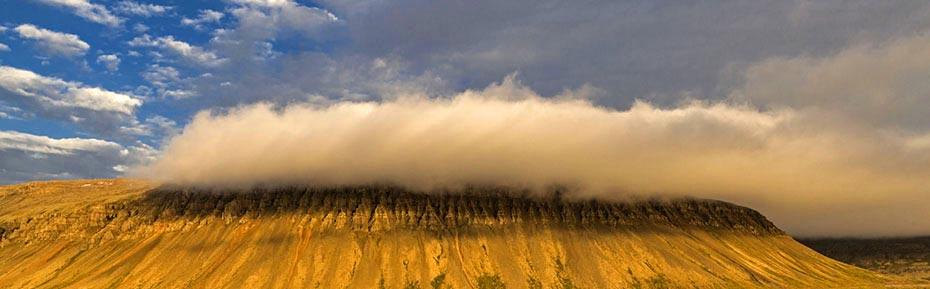 Wolken über dem Patreksfjörður
