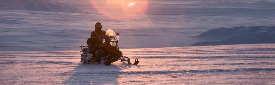 Islandreisen Snowmobil auf dem Gletscher Langjökull