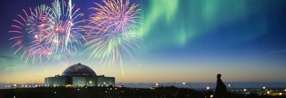 Neujahr und Polarlichter: Feuerwerk