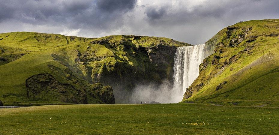 Der Wasserfall Skógafoss