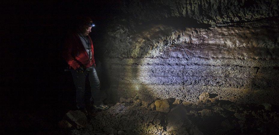 Führung durch die Höhle Vatnshellir