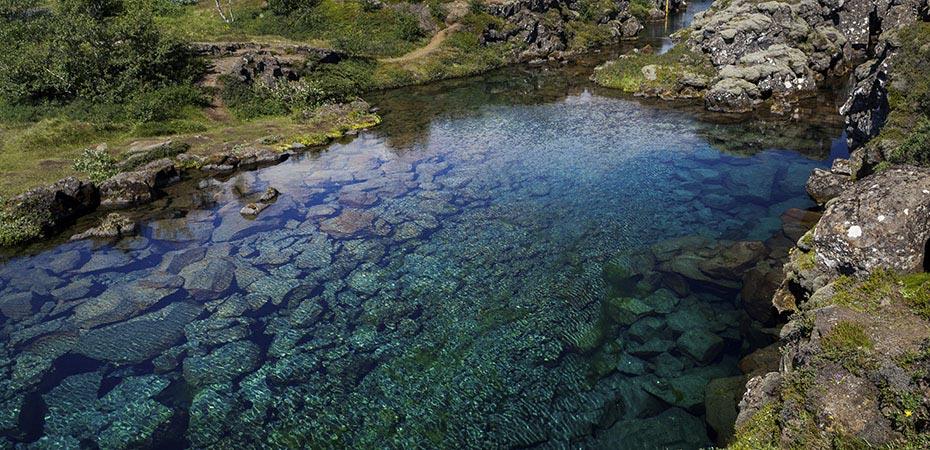 Das klare Wasser des Sees Þingvallavatn