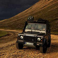 Defender im Hochland Islands