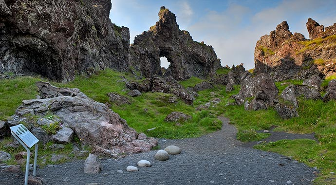 die Kraftprobesteine von Dritvik beim Djúpalónssandur