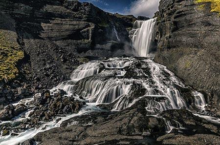 Der  Wasserfall Ófærufoss in der Eldgjá-Schlucht