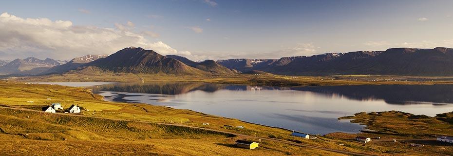 Rund um Island in 8 Tagen: Fjord im Norden Islands