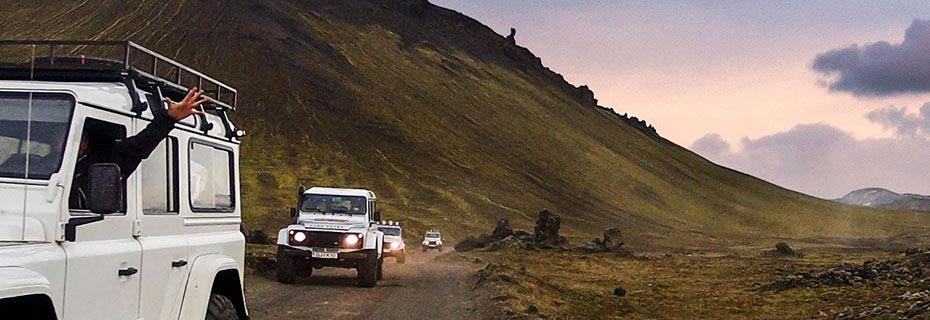 Super Jeep Hochland Tour: Defender im Konvoi